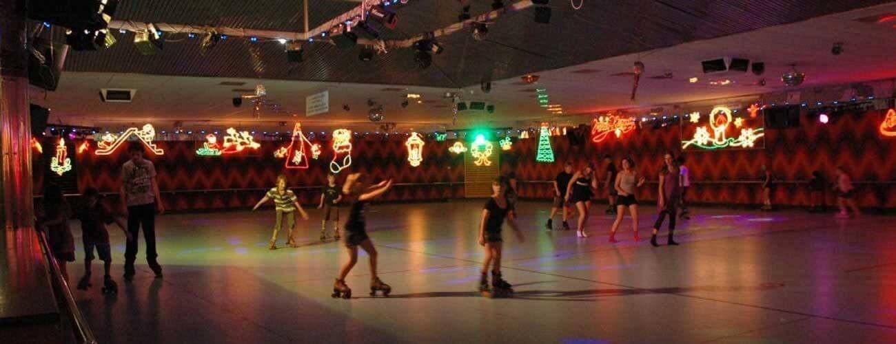 Roller Skating on Perth's indoor skate rink Rolloways